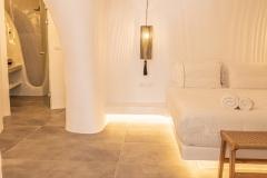 Room-R-Bathroom